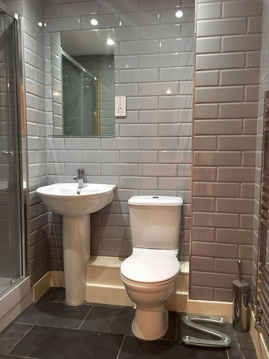 27 fantastic bathroom mirrors norwich for Bathroom design norwich